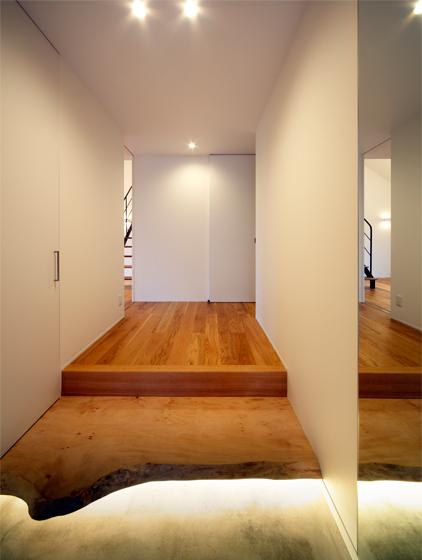 建築家の住宅,エントランス,玄関,自然木の式台