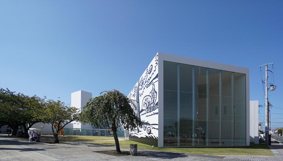 十和田市現代美術館1