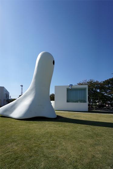 十和田市現代美術館2