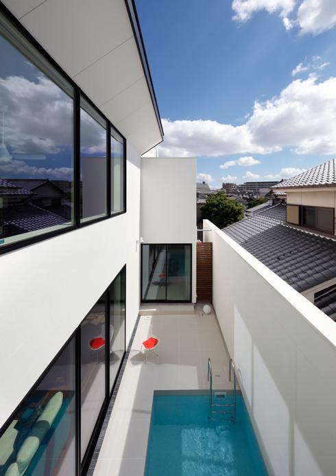 眺望の良い家,コートハウス,中庭,プール,プールサイド,ガラス張り,住宅,家,住宅設計,建築家,設計事務所