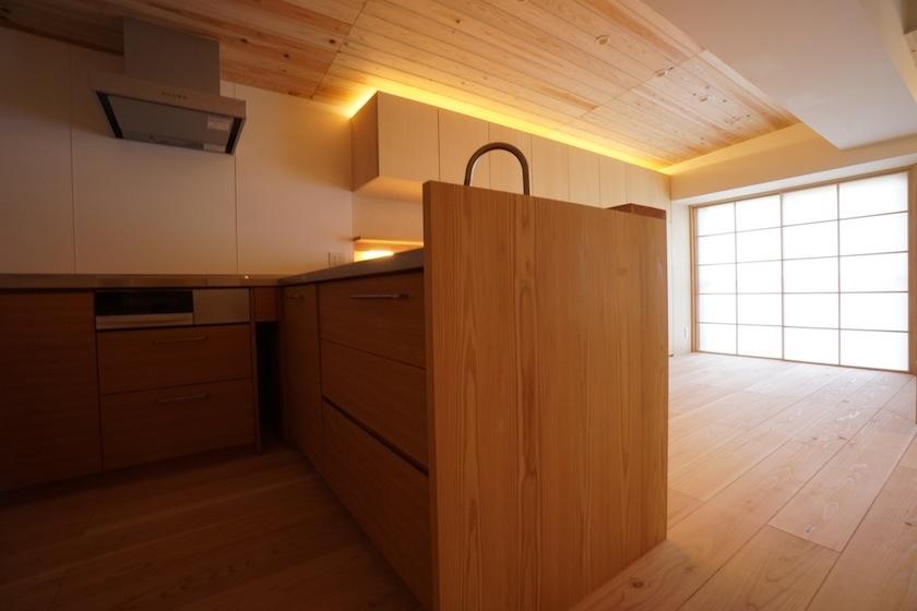 木のマンションリノベーション,キッチン,リビング
