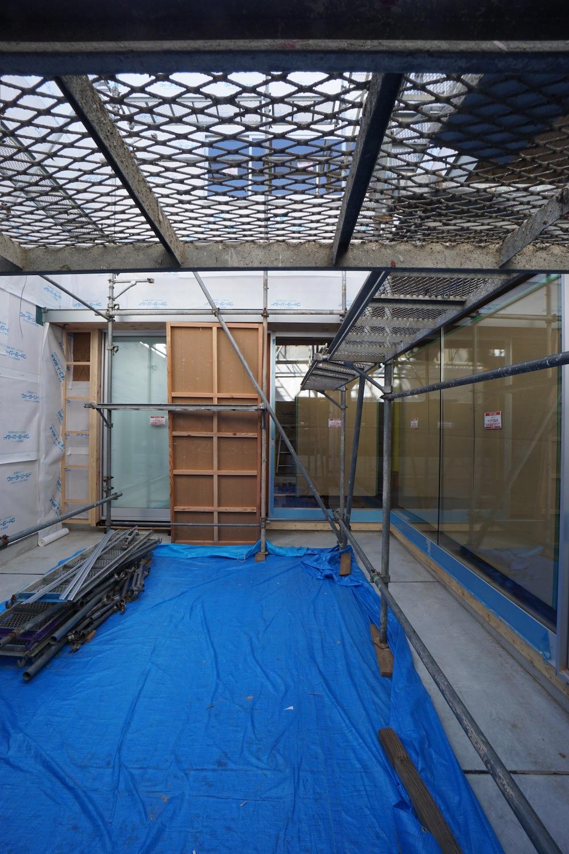 おおきな中庭テラスの家,大阪,高級注文住宅,デッキテラス,中庭