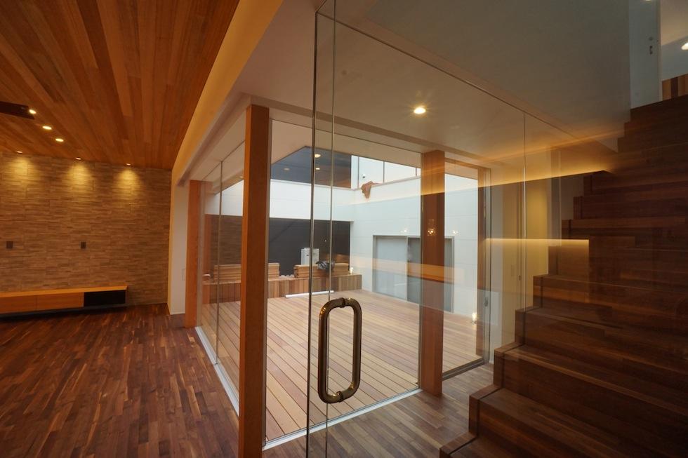京都,大阪,神戸,建築家,上質注文住宅,設計事務所,中庭,ガラスパーティション