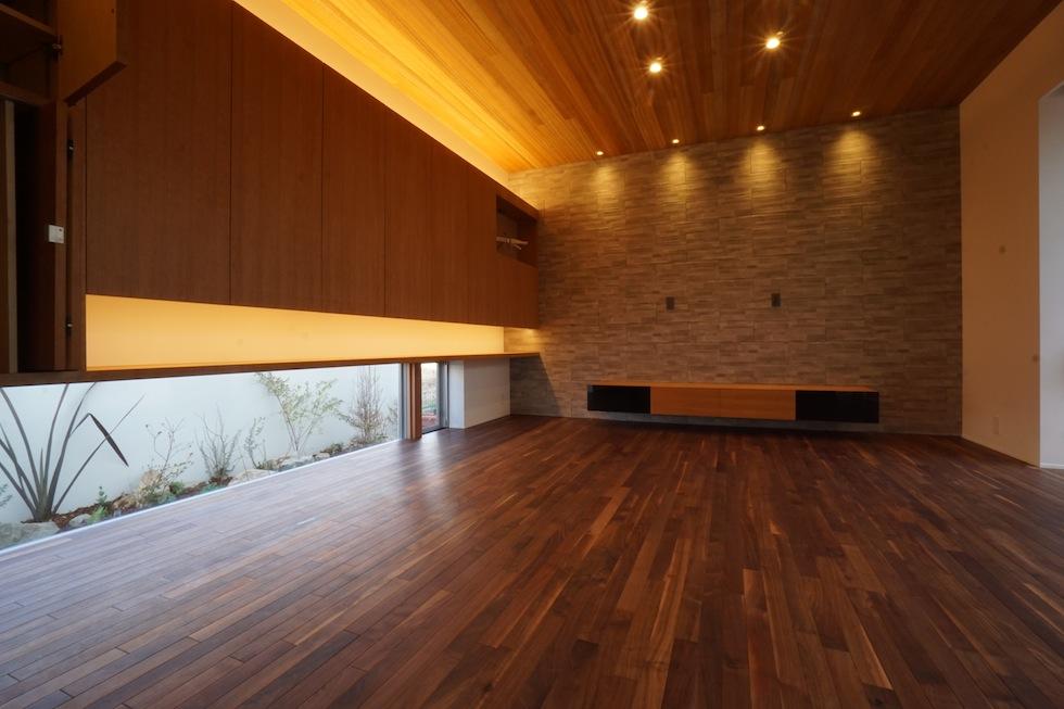 大阪,京都,神戸,建築家,高級住宅設計,上質デザイン,建築家,設計事務所,地窓,植栽
