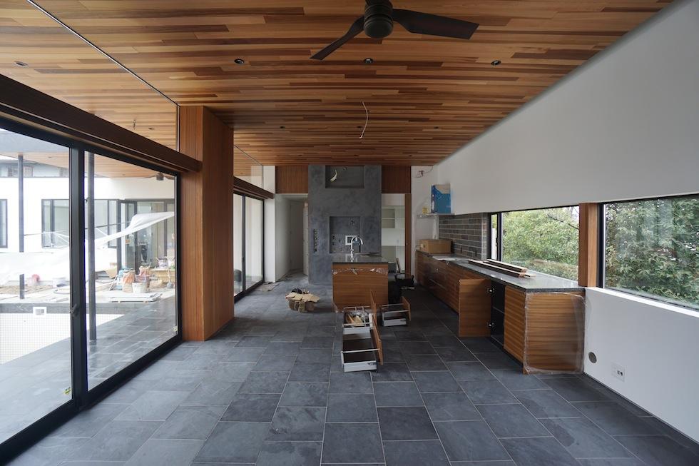 プールハウス,中庭の家,リゾートハウス,大阪,京都,神戸,建築家,設計事務所,住宅設計,石,板貼り,インテリアデザイン,オーダーキッチン