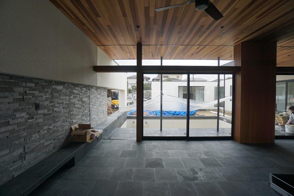 プールハウス,中庭の家,リゾートハウス,大阪,京都,神戸,建築家,設計事務所,住宅設計,石,板貼り,インテリアデザイン,プールサイドテラス