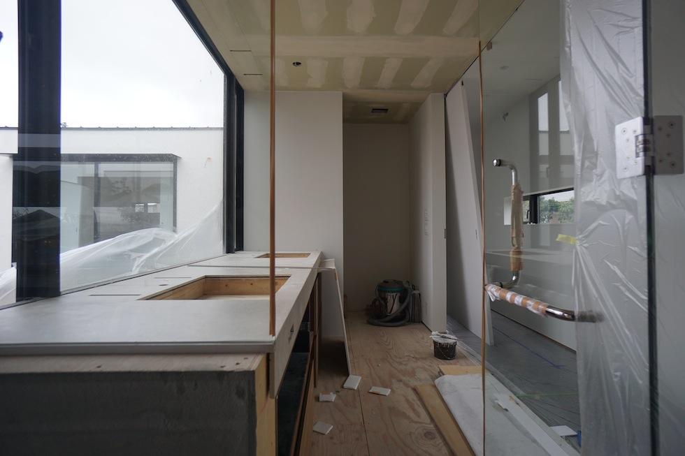 プールハウス,中庭の家,リゾートハウス,大阪,京都,神戸,建築家,設計事務所,住宅設計,石,板貼り,インテリアデザイン,洗面カウンターデザイン