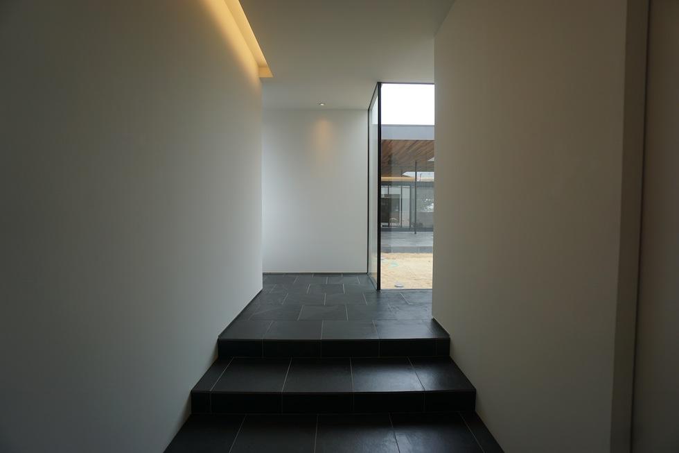 リゾートプールハウス,住宅設計,建築家,高級注文住宅,大阪,神戸,京都,エントランス