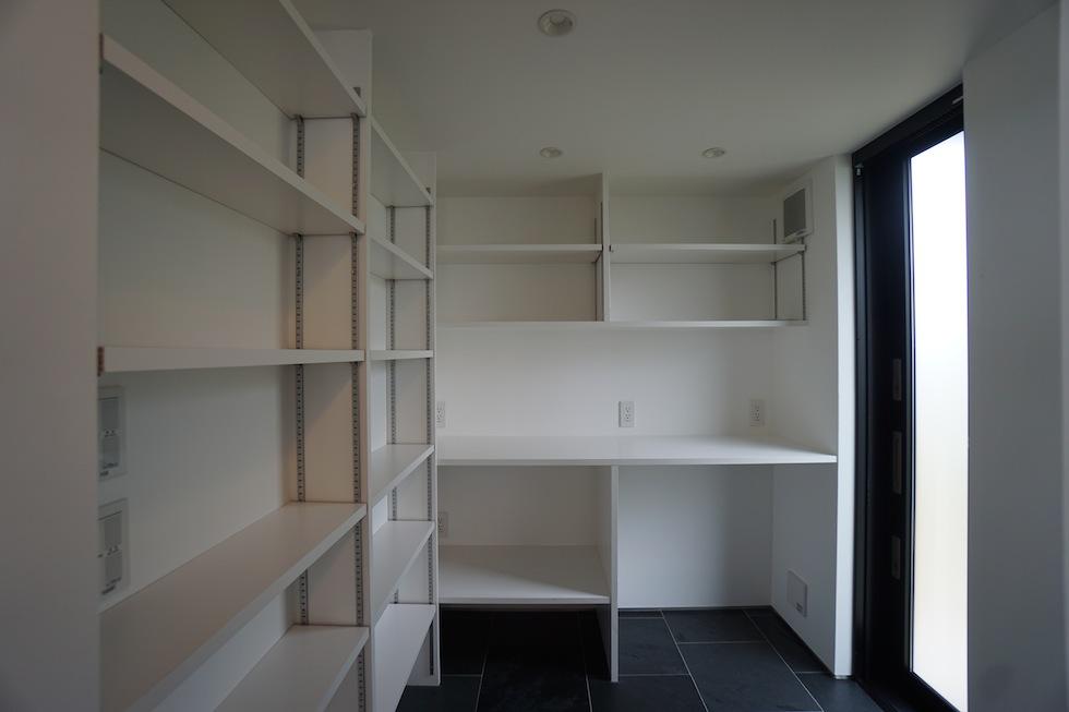 リゾートプールハウス,住宅設計,建築家,高級注文住宅,大阪,神戸,京都,パントリー