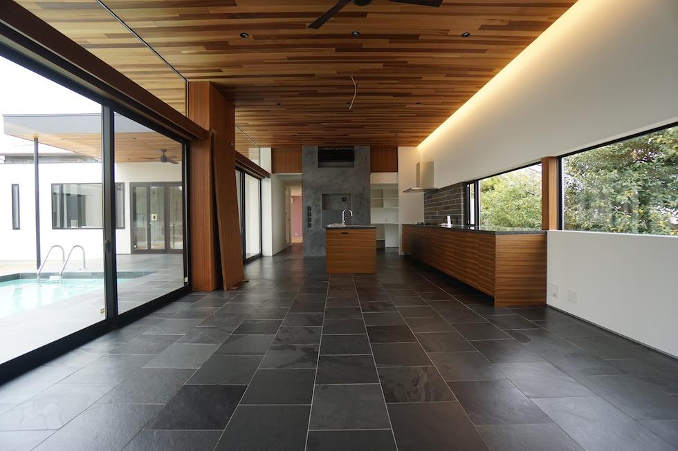 リゾートプールハウス,住宅設計,建築家,高級注文住宅,大阪,神戸,京都,リビング