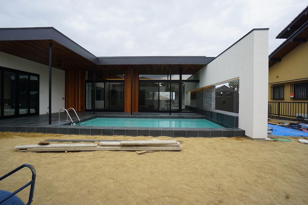 リゾートプールハウス,住宅設計,建築家,高級注文住宅,大阪,神戸,京都,中庭