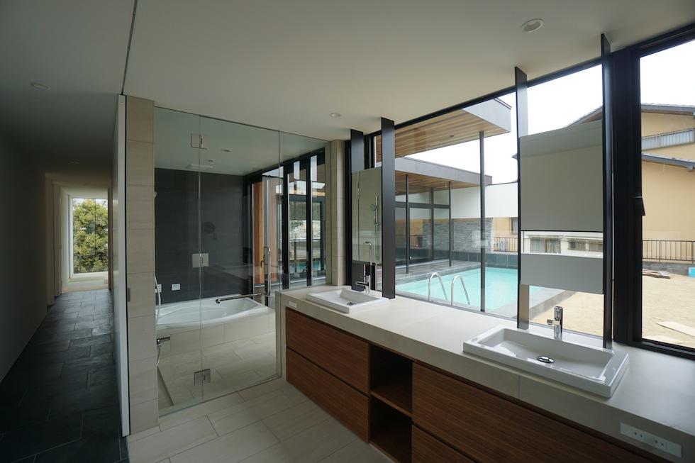 リゾートプールハウス,住宅設計,建築家,高級注文住宅,大阪,神戸,京都,洗面室