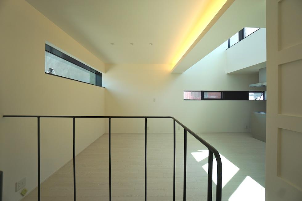 高級注文住宅,設計事務所,建築家,大阪,京都,神戸,3階建てデザイン,リビング,グランピングテラス,手摺デザイン