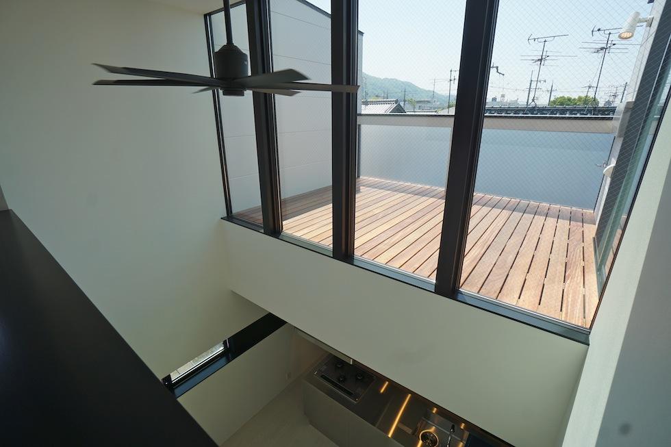 高級注文住宅,設計事務所,建築家,大阪,京都,神戸,3階建てデザイン,リビング,グランピングテラス,眺望