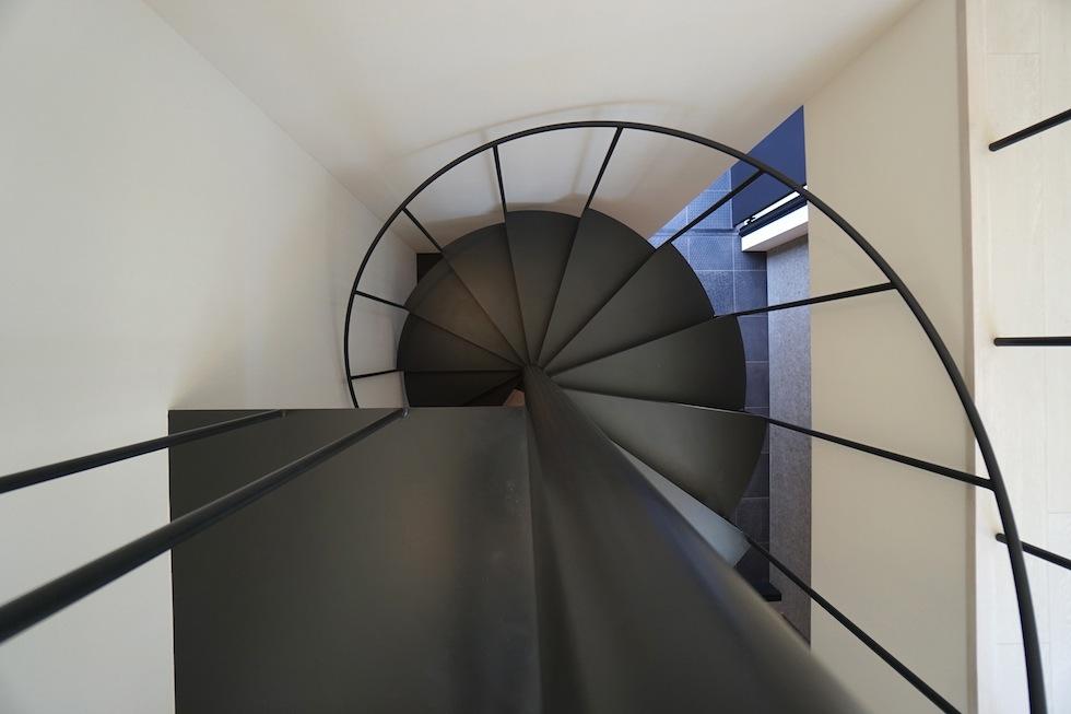 高級注文住宅,設計事務所,建築家,大阪,京都,神戸,3階建てデザイン,リビング,グランピングテラス,螺旋階段