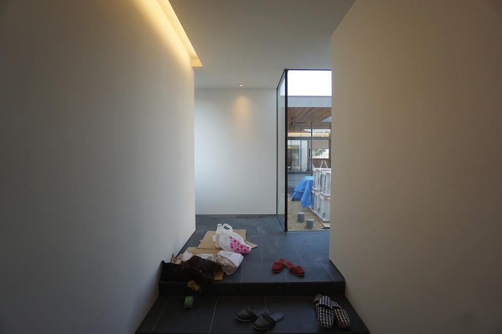 高級注文住宅設計,大阪,神戸,京都,プールハウス,建築家,設計事務所,豪邸,モダンリビング,コートハウス,中庭,エントランス