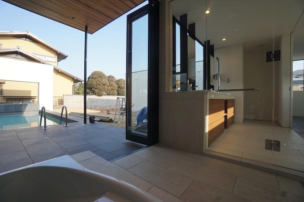 高級注文住宅設計,大阪,神戸,京都,プールハウス,建築家,設計事務所,豪邸,モダンリビング,コートハウス,中庭,プールハウス,ジャグジー