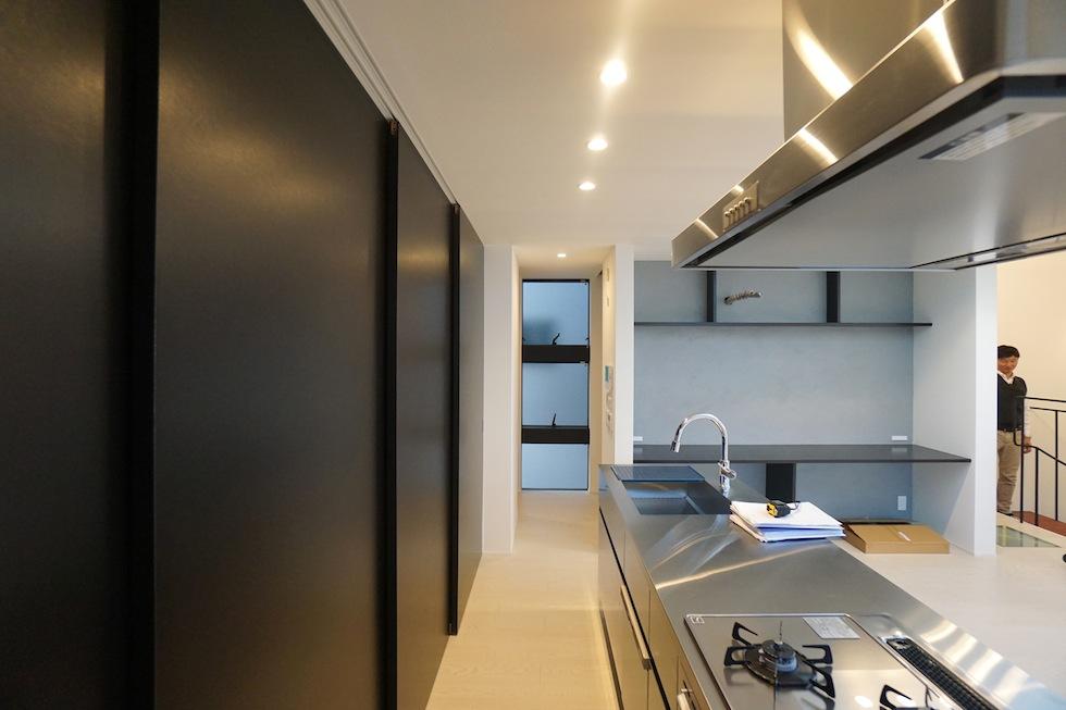 高級注文住宅,設計設計事務所,建築家,デザイン,3階建て住宅,コートハウス,キッチン