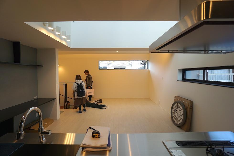 高級注文住宅,設計設計事務所,建築家,デザイン,3階建て住宅,コートハウス,リビング
