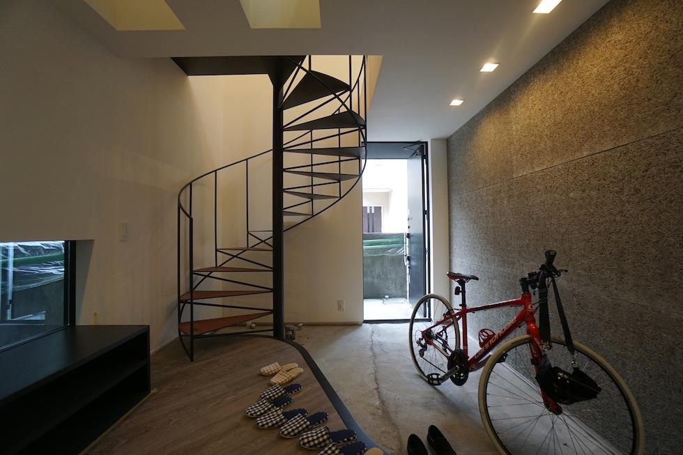 高級注文住宅,設計設計事務所,建築家,デザイン,3階建て住宅,コートハウス,螺旋階段