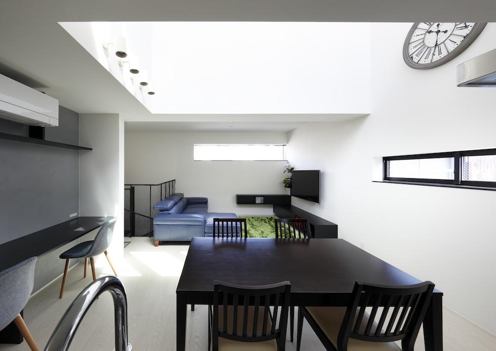 大阪,四條畷,建築家,設計事務所,住宅設計,高級注文住宅,木造3階建てデザイン,螺旋階段,外観デザイン,太陽を取り込む