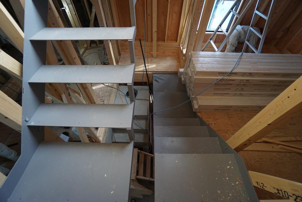 吹田,建築家,設計事務所,高級注文住宅設計,大きな窓,スキップフロア,スチール階段