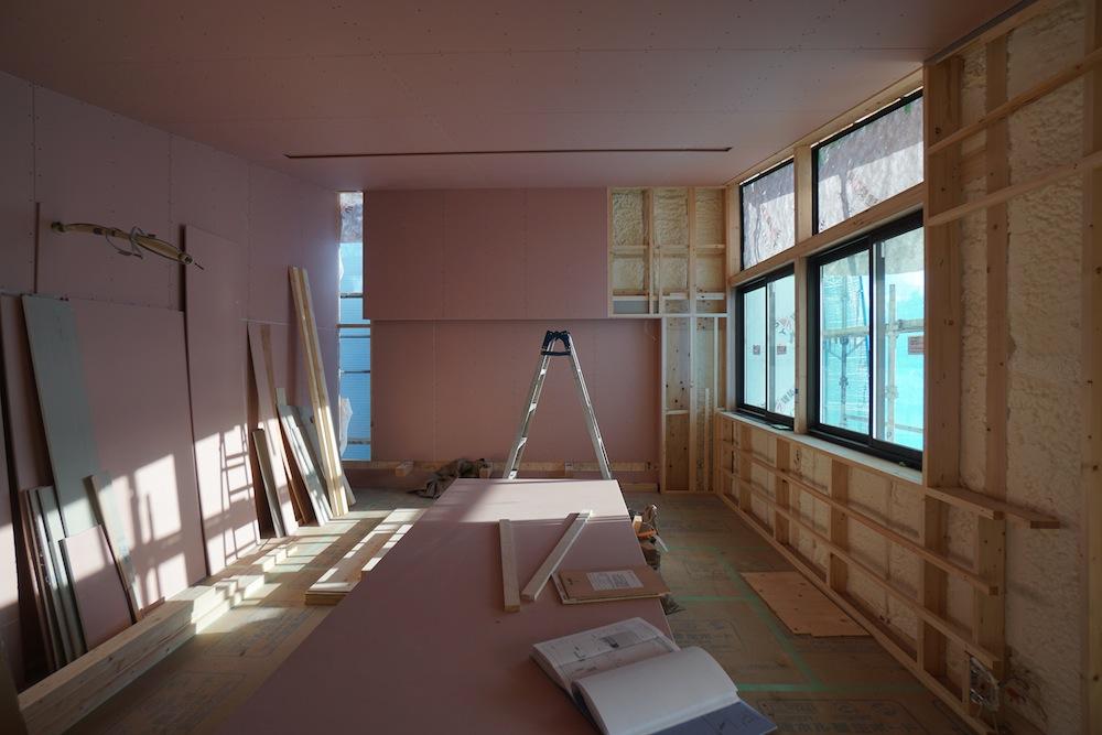 大阪,神戸,京都,設計事務所,建築家,高級注文住宅設計,スキップフロア,階段デザイン,吹田,タイル壁