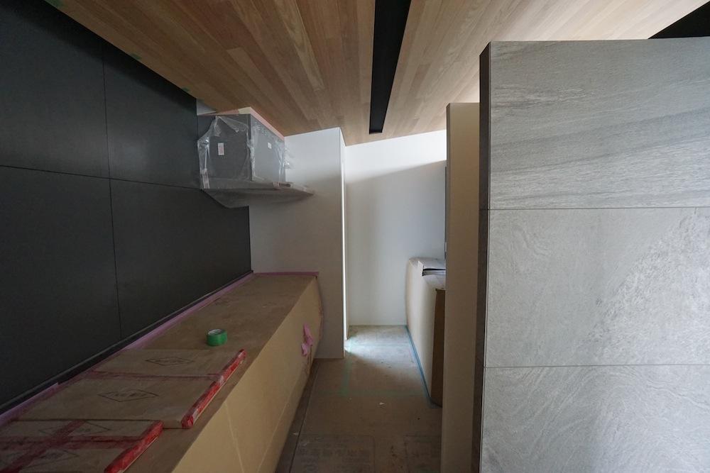 大阪,神戸,京都,設計事務所,建築家,高級注文住宅設計,スキップフロア,階段デザイン,吹田,キッチン