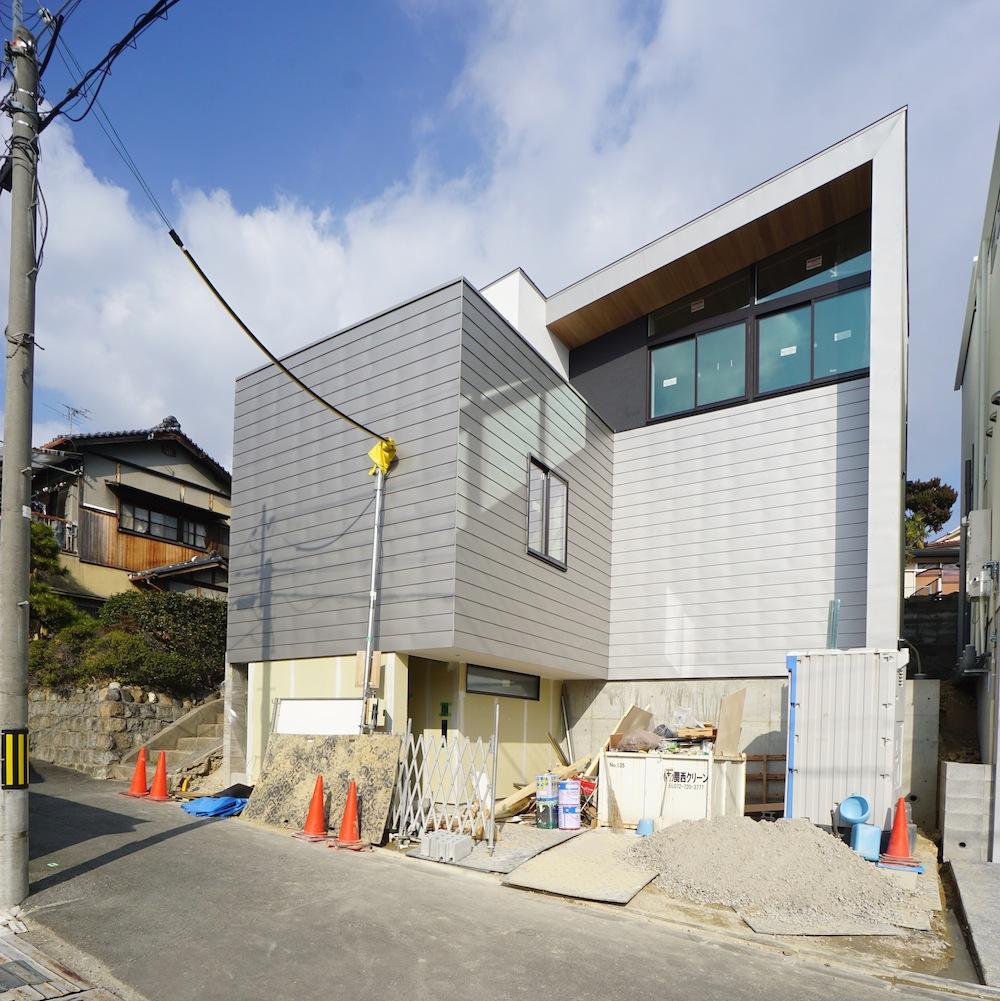 大阪,神戸,京都,設計事務所,建築家,高級注文住宅設計,スキップフロア,階段デザイン,吹田,外観デザイン
