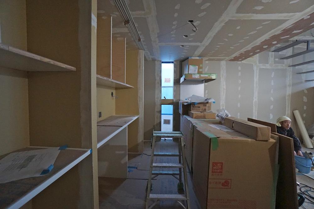 建築家,大阪,設計事務所,高槻,高級注文住宅,店舗付き住宅,ヘアサロン,木造3階建てデザイン,キッチンバック収納