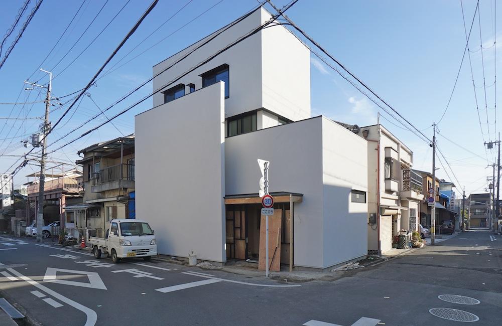 建築家,大阪,設計事務所,高槻,高級注文住宅,店舗付き住宅,ヘアサロン,木造3階建てデザイン,外観