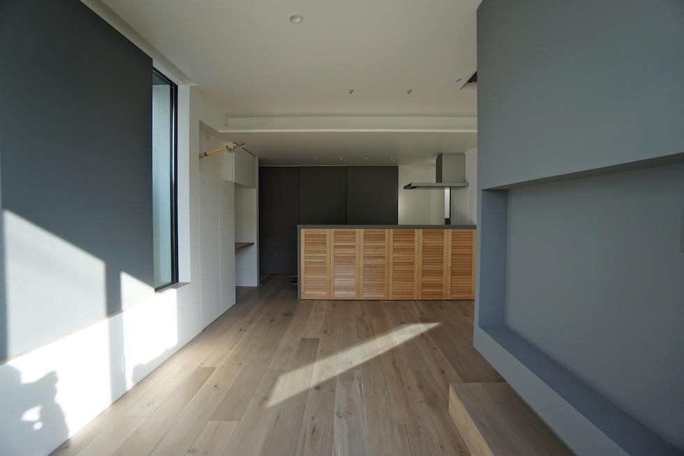 キッチンカウンターデザイン,3階建てデザイン,建築家,大阪,神戸,京都,高槻,高級注文住宅設計