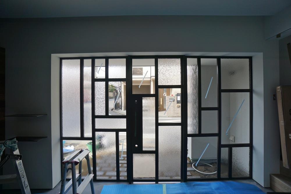 ヘアサロン併用住宅,,建築家,大阪,高槻,高級注文住宅設計,美容室,理美容室,ステンドグラス