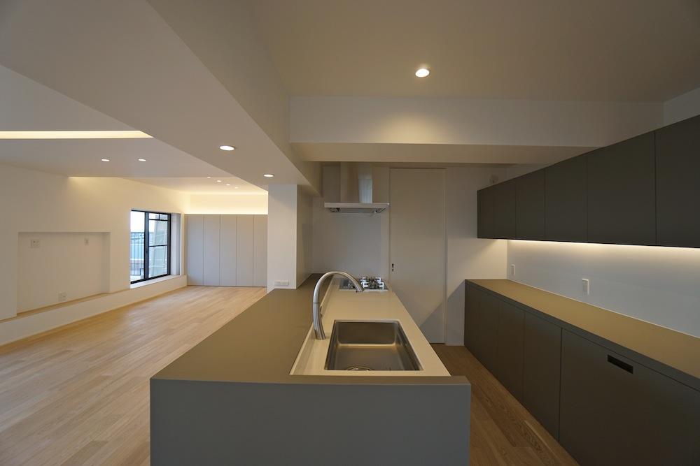 建築家,大阪,神戸,高級注文住宅,設計事務所,リゾート,間接照明,リビング,キッチンカウンター