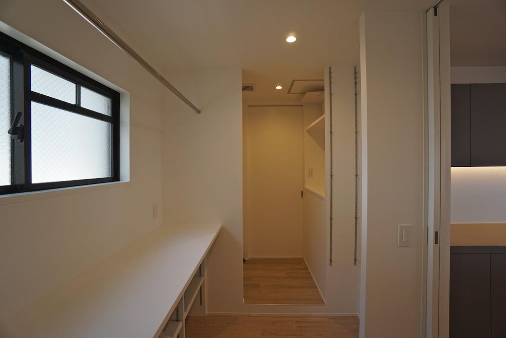 建築家,大阪,神戸,高級注文住宅,設計事務所,リゾート,間接照明,リビング,パントリー