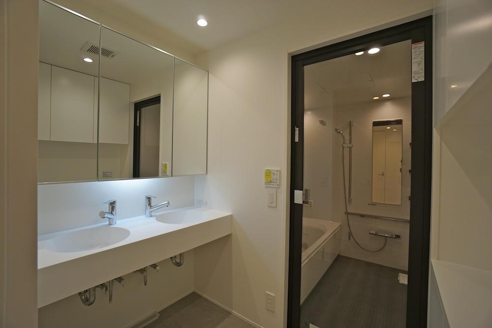 建築家,大阪,神戸,高級注文住宅,設計事務所,リゾート,間接照明,リビング,洗面室