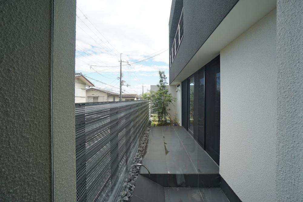 エントランス,建築家,設計事務所,高級注文住宅設計,大阪狭山,中庭