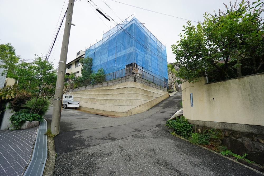 建築家,京阪神,宝塚,雲雀丘,高級注文住宅設計,眺望の家,テラスハウス,2階リビングの家,擁壁