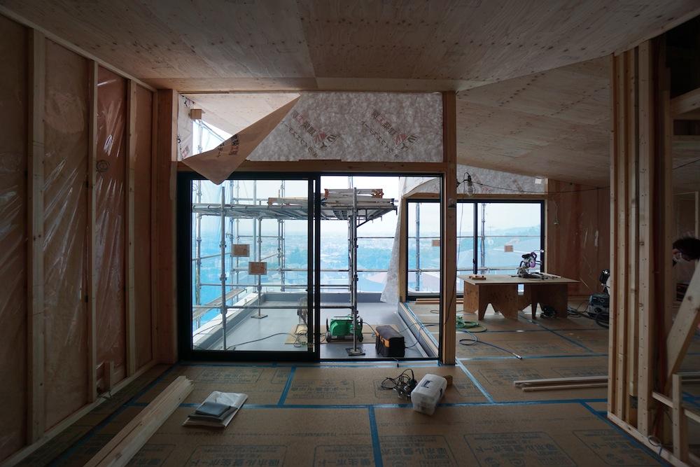 眺望の家,宝塚,雲雀丘,建築家,住宅設計,高級注文住宅,グランピングテラス,リビング