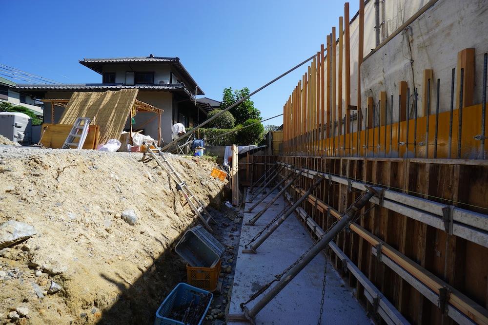 擁壁のコンクリート打設,建築家,設計事務所,高級注文住宅設計,大阪,豊中,吹田,北摂,擁壁工事