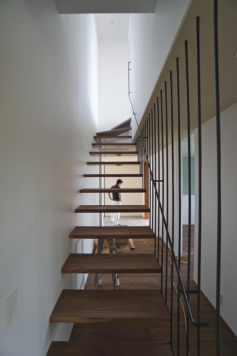 建築家,大阪,設計事務所,高級注文住宅設計,宝塚,眺望の家,階段デザイン