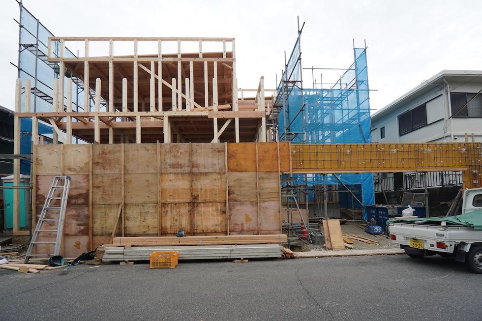 棟上げ,建築家,大阪,神戸,北摂,サッカーグラウンドのある家,高級注文住宅設計