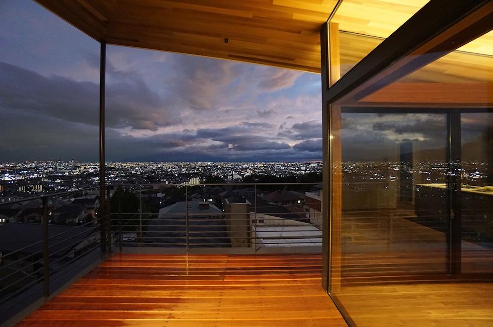 眺望の家,大阪,宝塚,ビュ−ハウス,建築家,高級注文住宅設計,夜景の奇麗な家