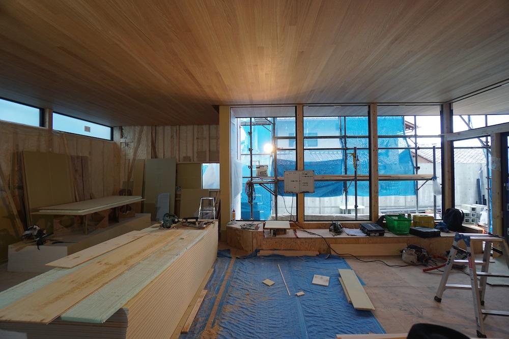 建築家,大阪,豊中,神戸,高級注文住宅設計,サッカーグラウンドのある家,ベンチソファ