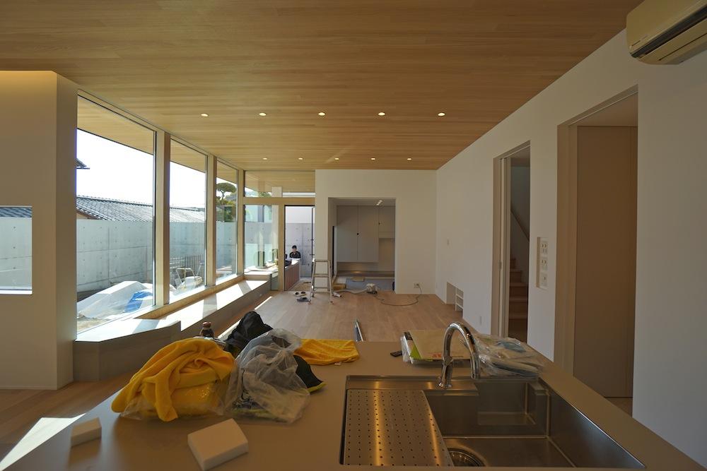 建築家とつくる家,高級注文住宅設計,吹田,豊中,間接照明,中庭,コートハウス,サッカーグラウンドのある家,おおきな窓