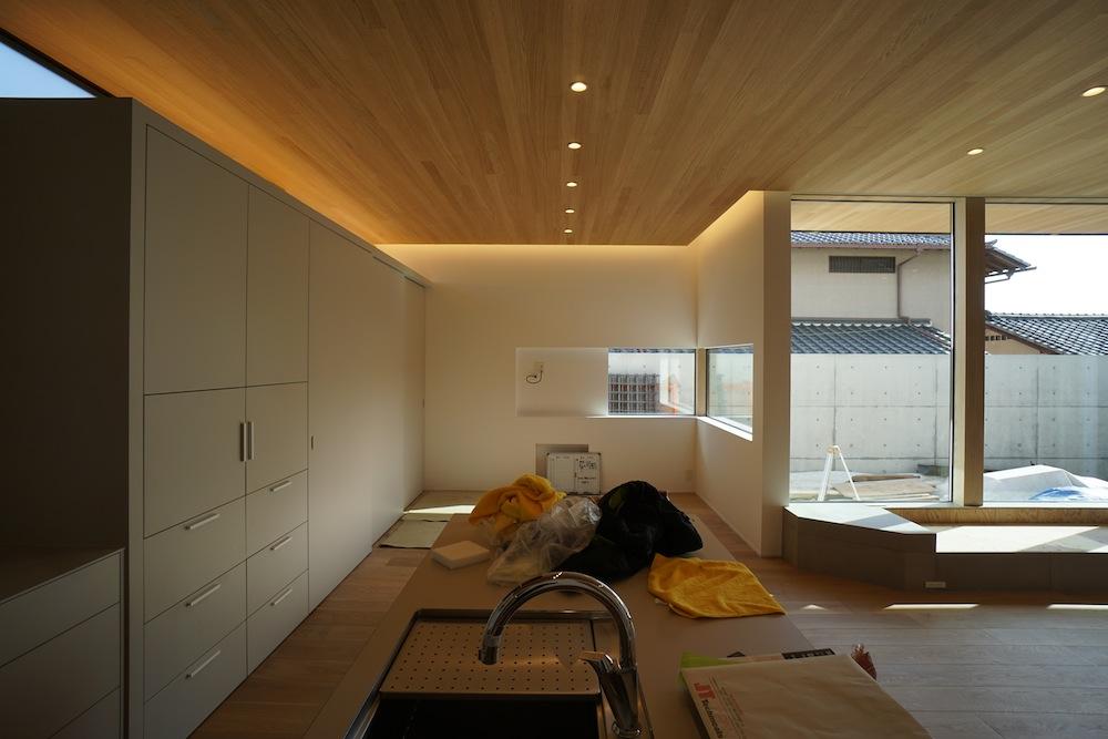 建築家とつくる家,高級注文住宅設計,吹田,豊中,間接照明,中庭,コートハウス,サッカーグラウンドのある家