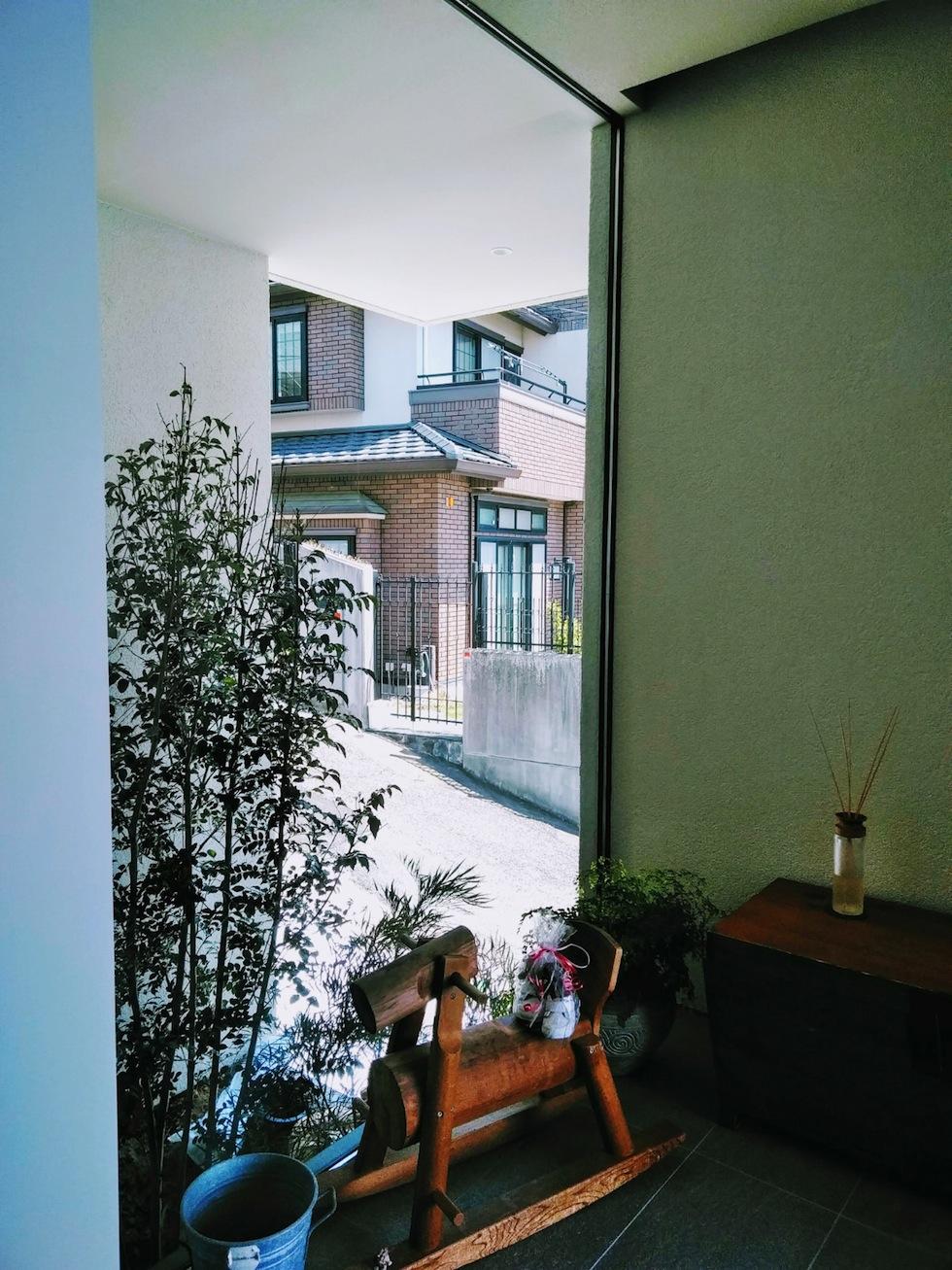 建築家,設計事務所,高級注文住宅設計,大阪,神戸,宝塚,雲雀丘,眺望の家,ビューハウス,スカイテラス,エントランスギャラリー