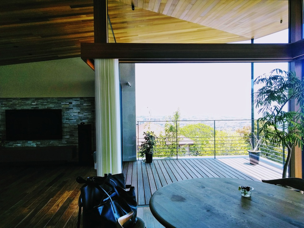 建築家,設計事務所,高級注文住宅設計,大阪,神戸,宝塚,雲雀丘,眺望の家,ビューハウス,スカイテラス,緑,リビング,眺め