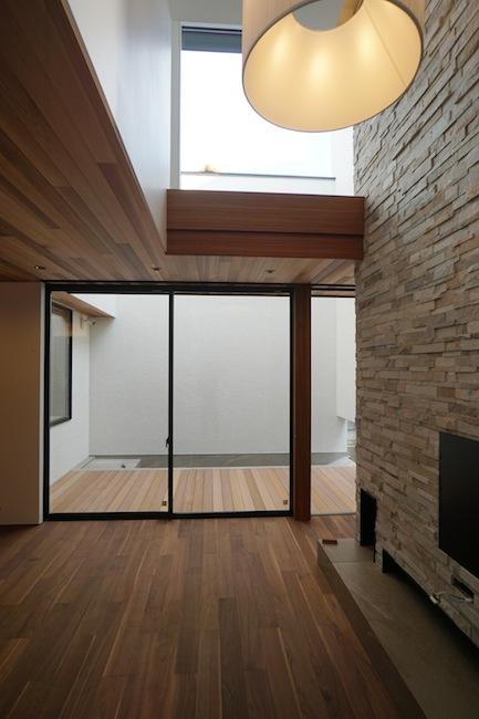 建築家,大阪,豊中,北摂,高級注文住宅設計,コートハウス,中庭,水盤,ラグジュアリー