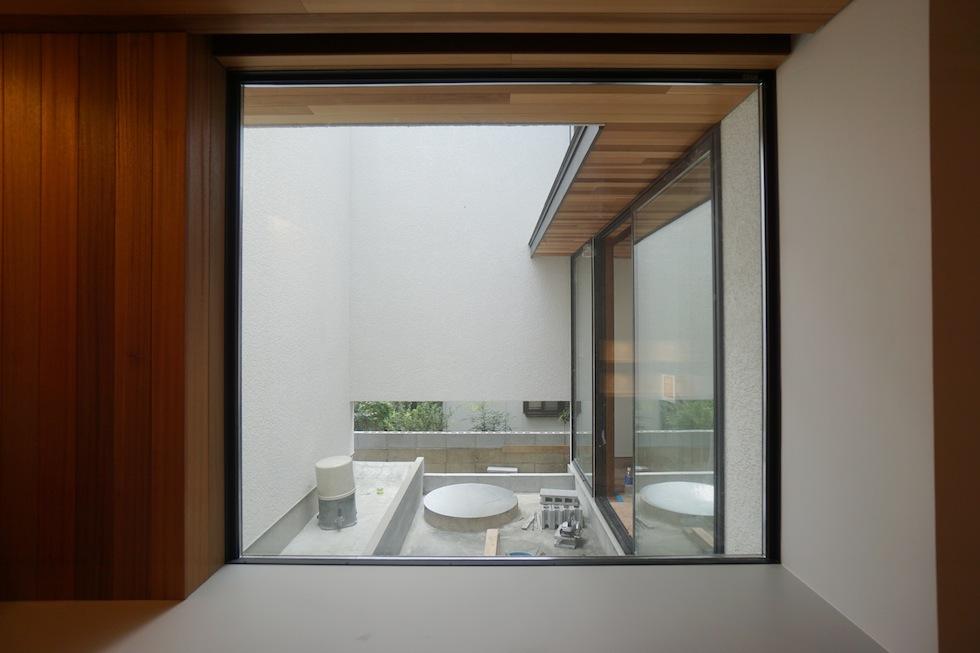 建築家,高級注文住宅設計,大阪,豊中,北摂,建築家デザイン,外観デザイン,板貼り,中庭